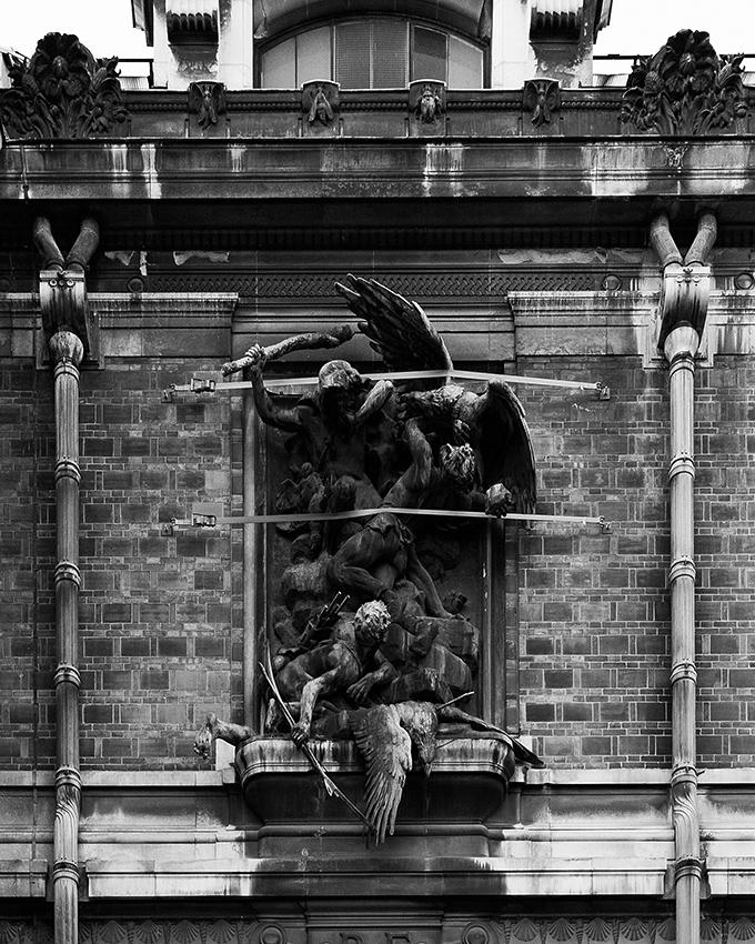 http://www.olivierlovey.ch/files/gimgs/52_statueattache.jpg